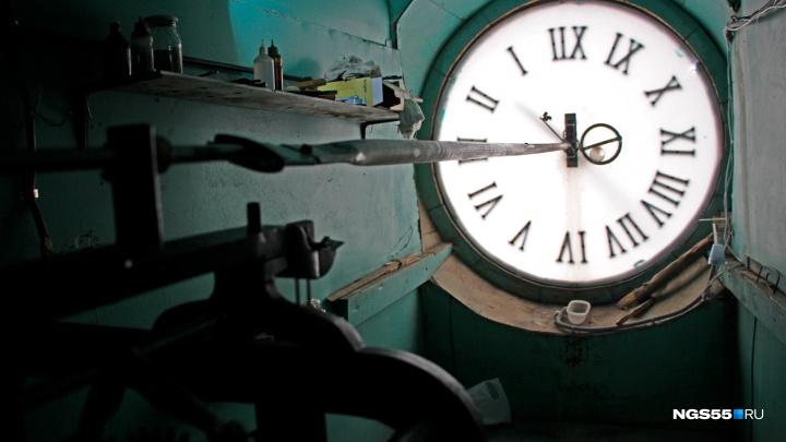 Часы на Любинском проспекте снова обрели голос
