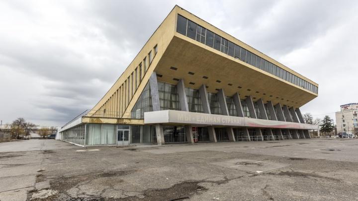 Специалисты по колонии и СИЗО: в Волгограде Дворец спорта отремонтируют 6 человек из Ростова-на-Дону