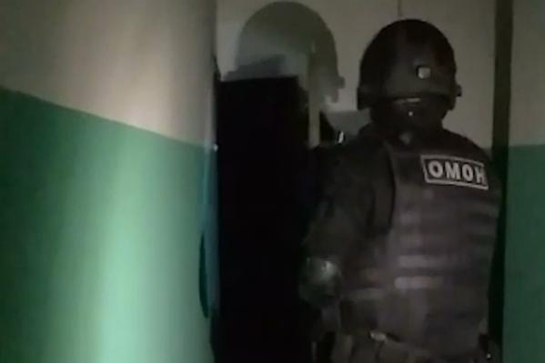 Полиции пришлось ломать дверь, чтобы ликвидировать притон