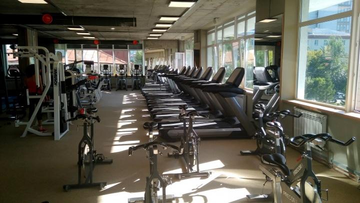На Красном проспекте заработал фитнес-центр с сауной и парковкой