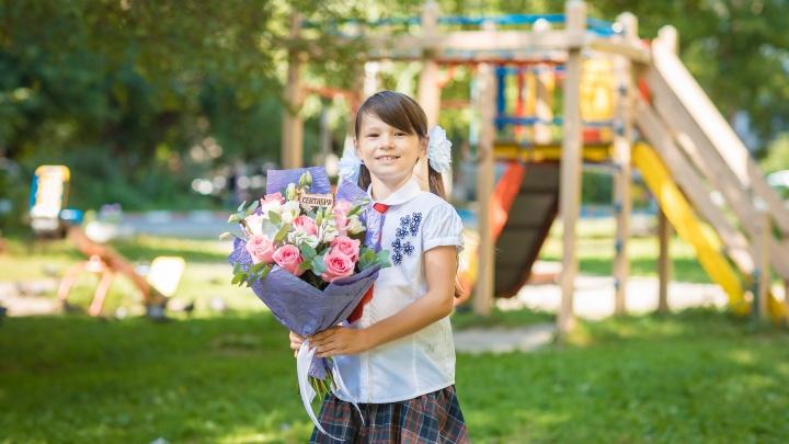Крупная цветочная сеть подготовила готовые букеты к 1 сентября за 380 рублей