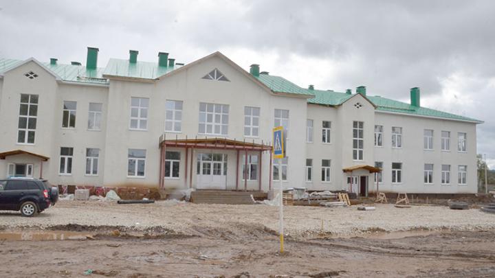 Девятиклассница пожаловалась Радию Хабирову, что в школе не хватает парт