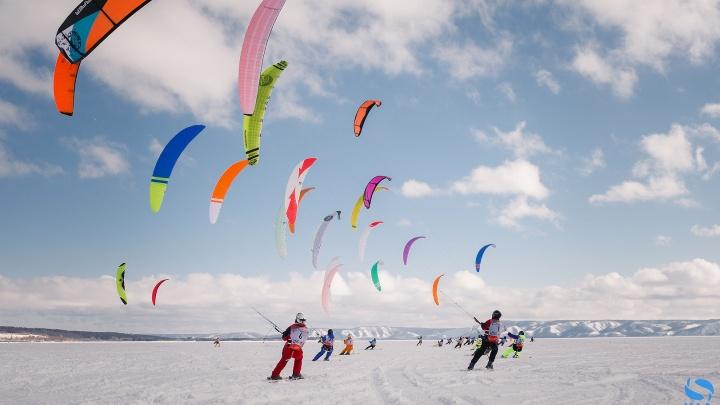 Поймали ветер: в небо над Тольятти взмыли 145 ярких кайтов