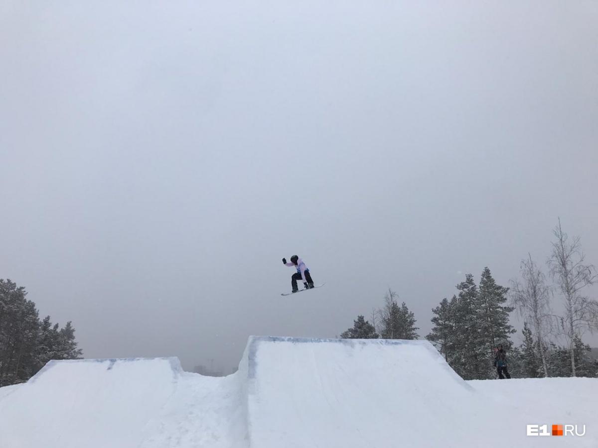 На склонах Уктуса четыре тысячи екатеринбуржцев отметили День снега