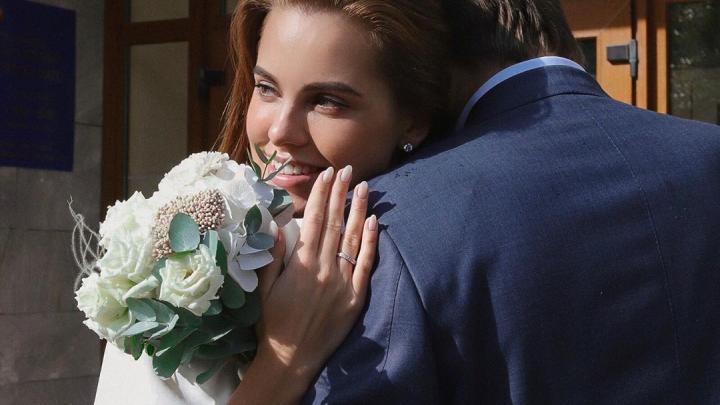 Звезда «Холостяка» модель с Урала Дарья Клюкина рассказала, куда улетела после свадьбы