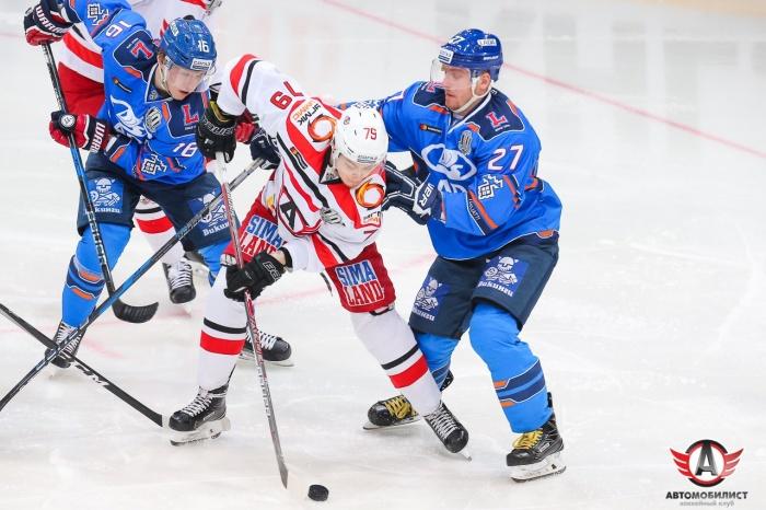 Матч со «Спартаком» екатеринбургские хоккеисты тоже проиграли
