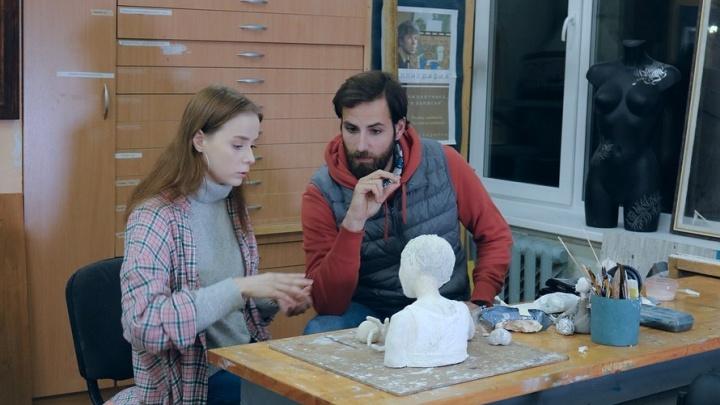 «Поговорили, как живется творческим людям»: кукольница из Архангельска — в программе«Ехал Грека»