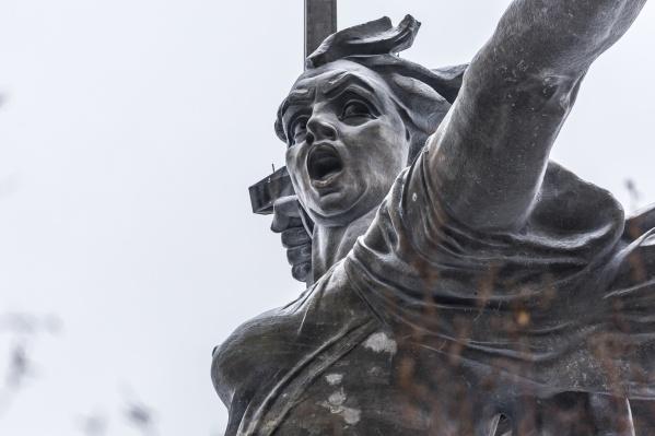 По мнению собственной пресс-службы Вениамин Кондратьев имел в виду географический объект, а не место памяти погибших