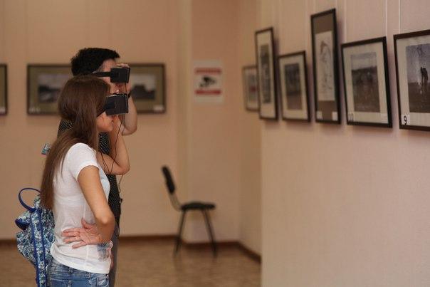 Полное погружение: в Новосибирске показали скандальные картины Мане в очках виртуальной реальности