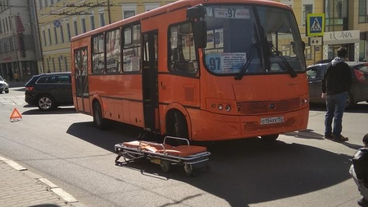 Нижегородка, которую сбила маршрутка в центре города, умерла в больнице