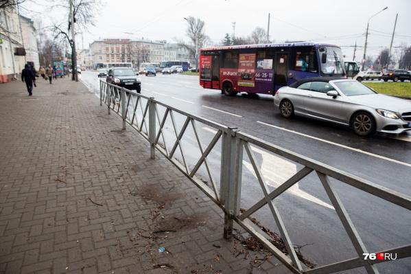 Общественники считают, что после реконструкции пропускная способность Октябрьской площади в Ярославле стала хуже
