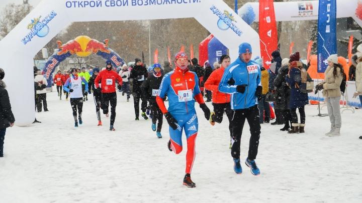 Во время зимнего полумарафона в Екатеринбурге изменит движение автобус №32