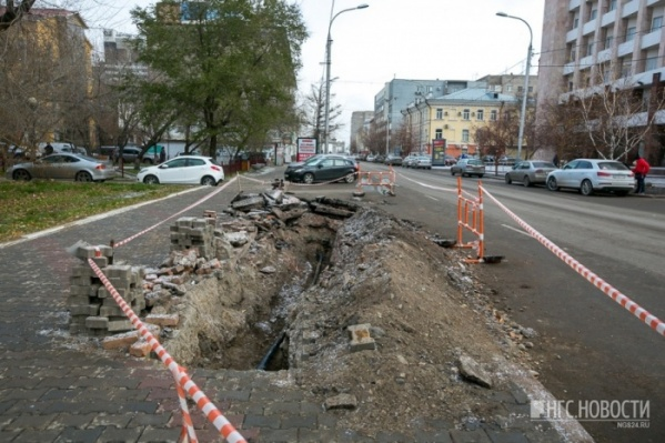 В этом году на Мира продолжается ремонт: планируется менять брусчатку на тротуарах
