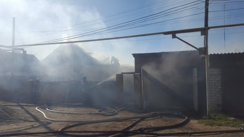 Пожар начался в частном секторе в Металлургическом районе