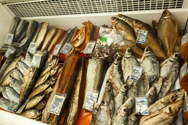 В Роспотребнадзоре рассказали, как отличить свежую рыбу от тухлой