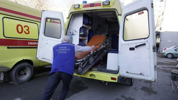 В Ишиме КАМАЗ сбил двух пенсионерок. Одна умерла на месте, вторую увезли в больницу