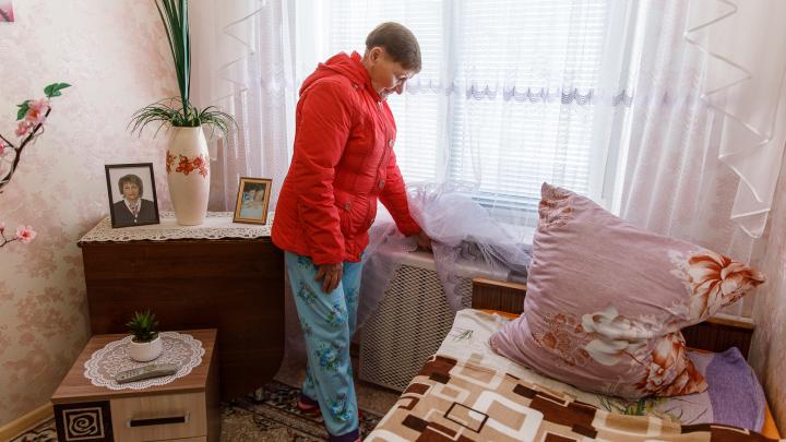 Разрыли асфальт на пересечении Обливской и Мукачевской: тысячи волгоградцев пять дней выживают без отопления