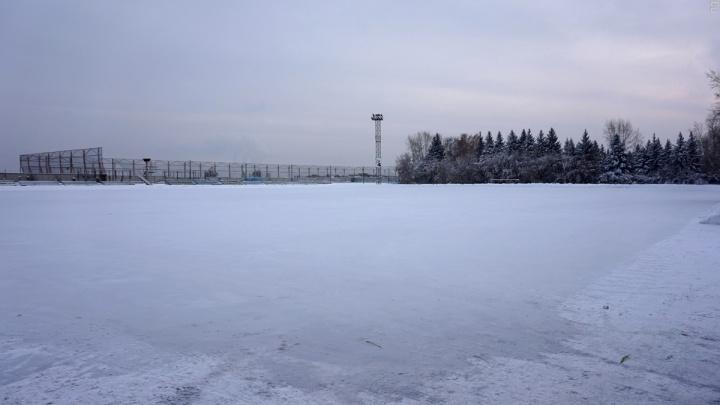 Хоккейные коробки и катки начали заливать по Красноярску