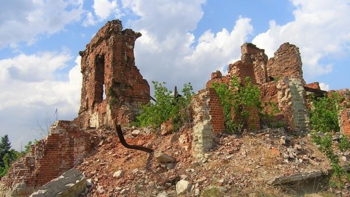 В Волгоградской области НТВ и общественники нашли сотни уничтожающихся военных мемориалов