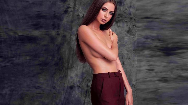 «На обложку можно попасть и без силикона»: уральская красотка — о том, зачем разделась для Playboy