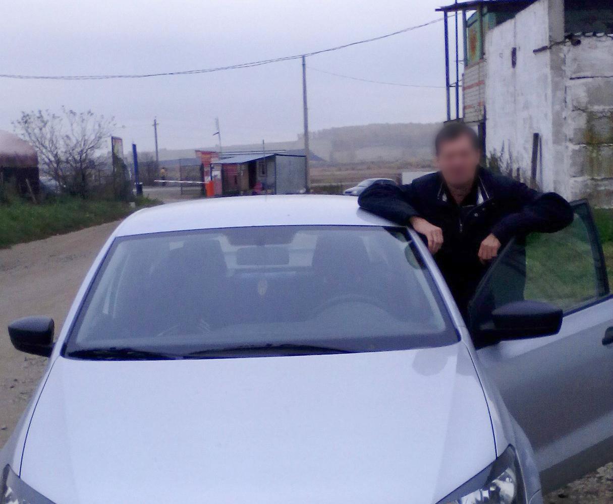Сергей утверждает, что на машине, которую видели возле интерната, он ездил на турбазу