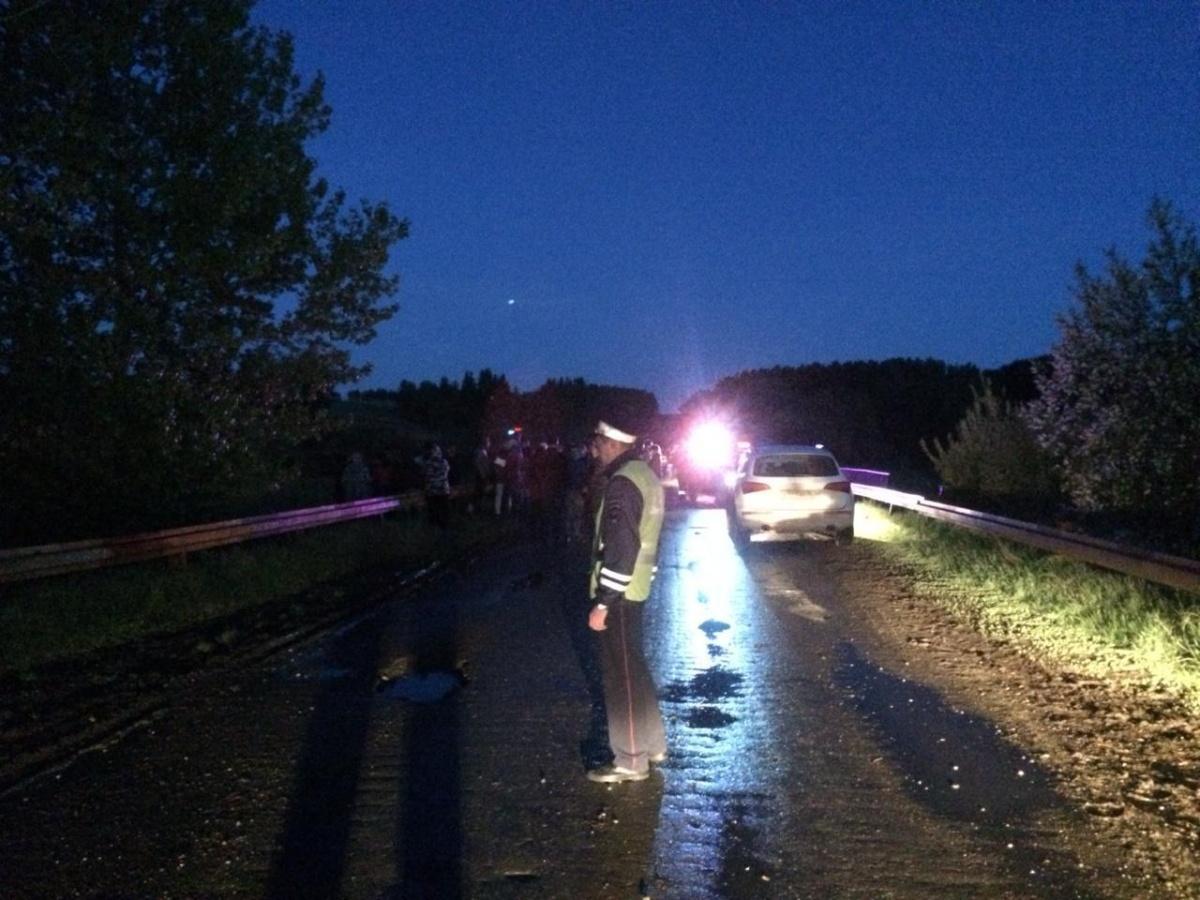 В Свердловской области машина слетела с моста, погибли пять человек
