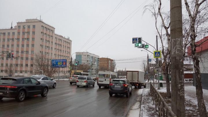 «Прощайте, пробки!»: на Авроры — Партизанской изменили режим работы светофоров