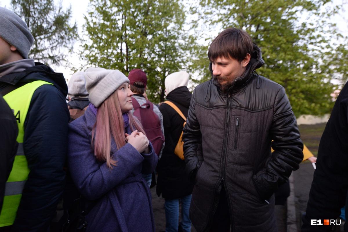 Люди готовы приходить, пока не уберут забор: как прошла седьмая акция в защиту сквера у Драмы