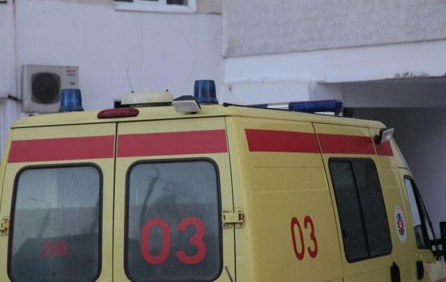 В Уфе из окна многоэтажки выпала пенсионерка