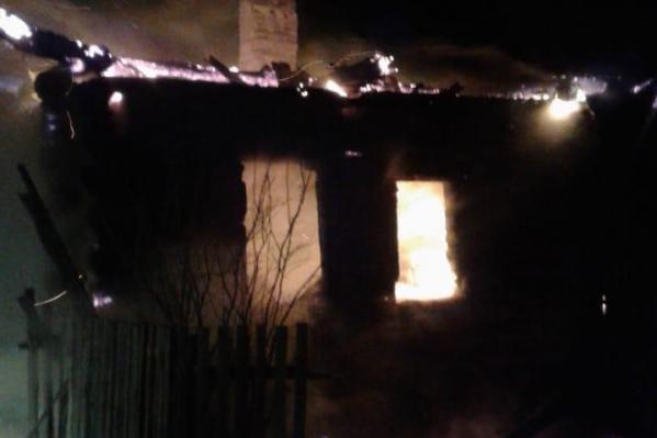 Дом был объят огнем
