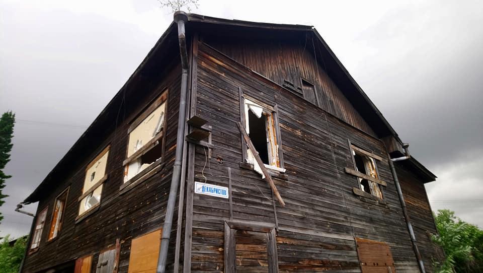 На Чапаева экскаваторы снесли флигель за домом Ошуркова и подступили к кварталу, где жила Плисецкая