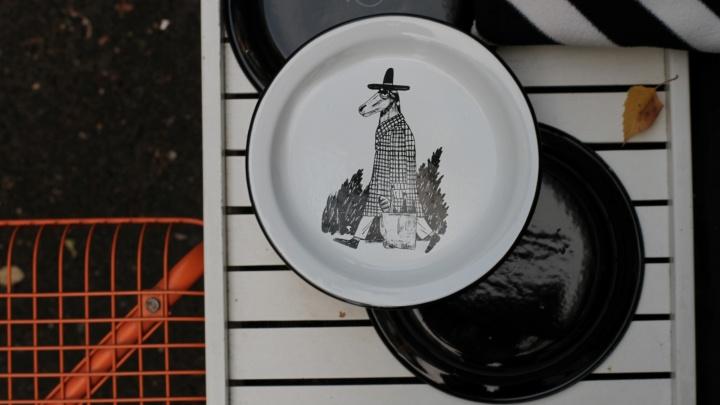Новое лысьвенское. В Перми начали выпускать эмалированную посуду с современными иллюстрациями