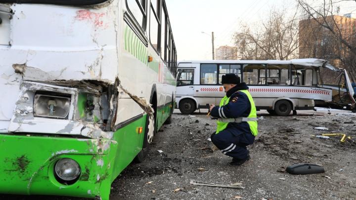 Следователи увидели вину легковушки в аварии двух автобусов на Крупской