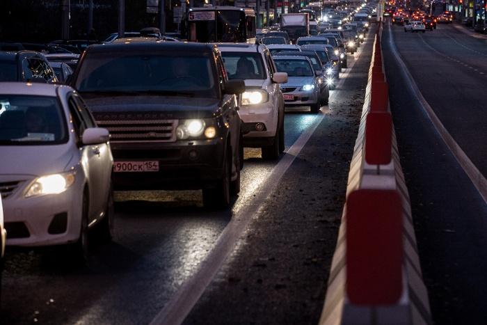 Самыми тяжёлыми местами для проезда в Новосибирске стали Мочищенское шоссе и улица Немировича-Данченко