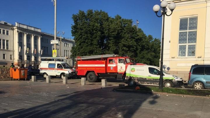 Выпускной запомнится надолго: этим утром спасатели вытащили из Городского пруда пятерых парней