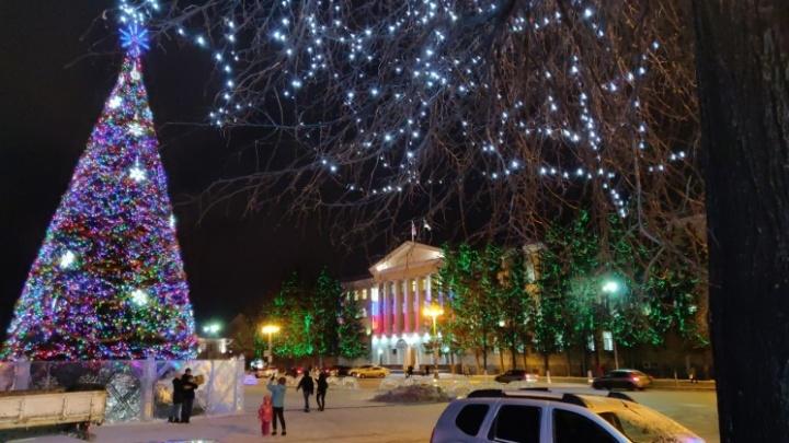 Власти Кургана показали варианты украшения города к Новому году