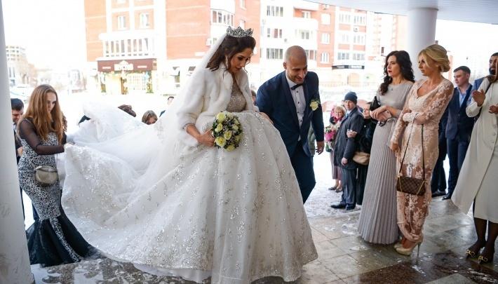 В загсе назвали число пар, решивших пожениться в День всех влюблённых на Южном Урале