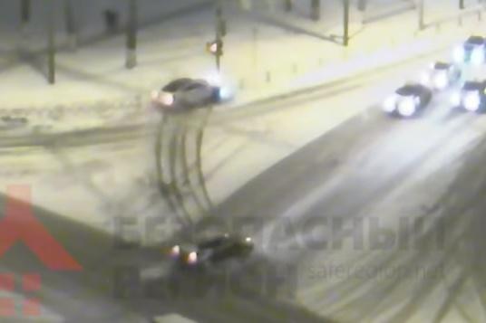 ДТП произошло на пересечении Московского проспекта и улицы Гагарина