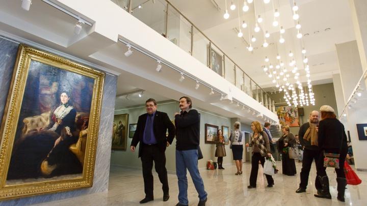 Шедевр вернулся домой: портрет Федора Романова доставили из Москвы в Волгоград