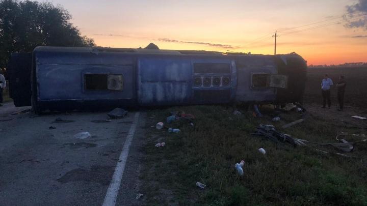 В автокатастрофе под Ставрополем погиб волжанин, пострадали 11 волгоградцев — четверо детей