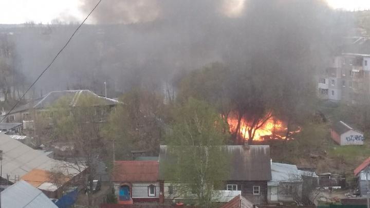 «Гарью пахло даже в домах на Суздальской»: столб чёрного дыма поднялся над Новосёлками