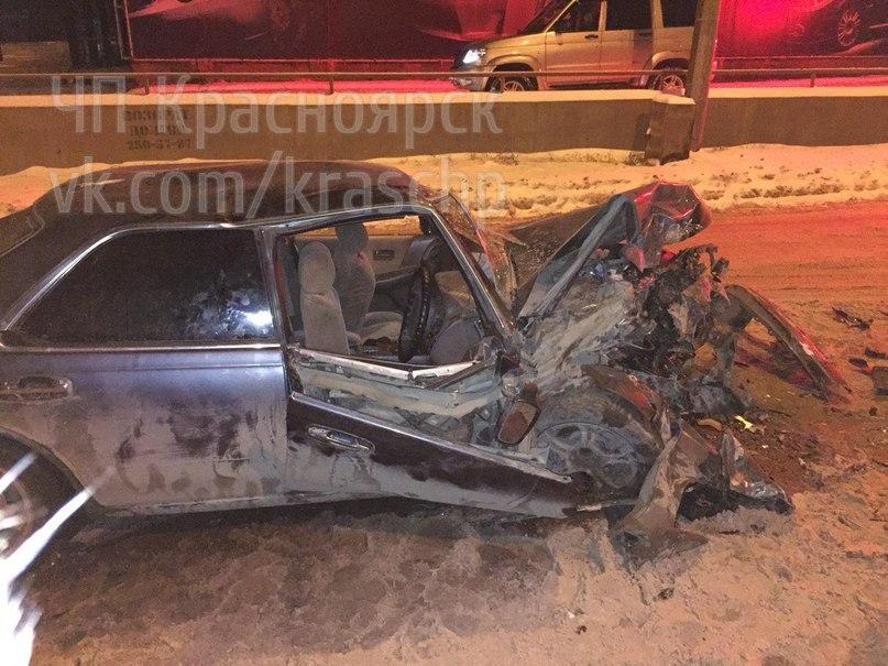 ВКрасноярске вмассовом ДТП пострадали 5 человек, виновник умер