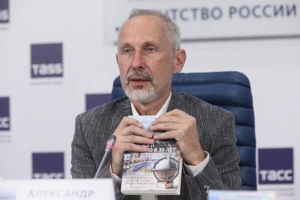 Александр Васильев был актёром, а также режиссёром и директором картин «Ленфильма»