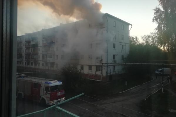 На тушение пожара у сотрудников МЧС ушло около 40 минут