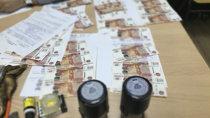 «Не давал зарплату строителям»: в Самарской области директора училища заподозрили во взятке