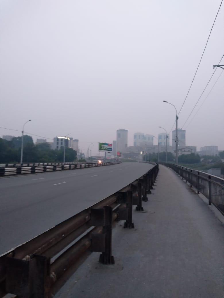 Утром дымка смешалась с туманом, из-за чего видимость значительно сократилась