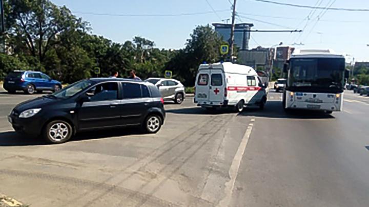 В ДТП в Ленинском районе пострадала пассажирка автобуса