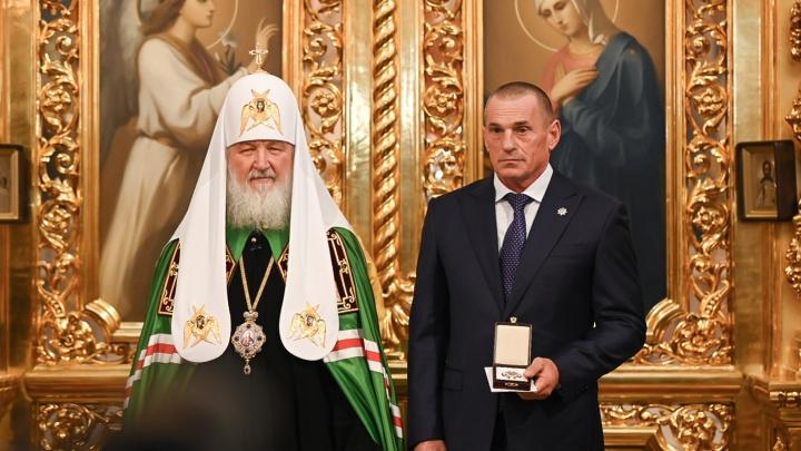 Патриарх наградил генерального директора «ЮгСтройИнвест» Знаком храмостроителя