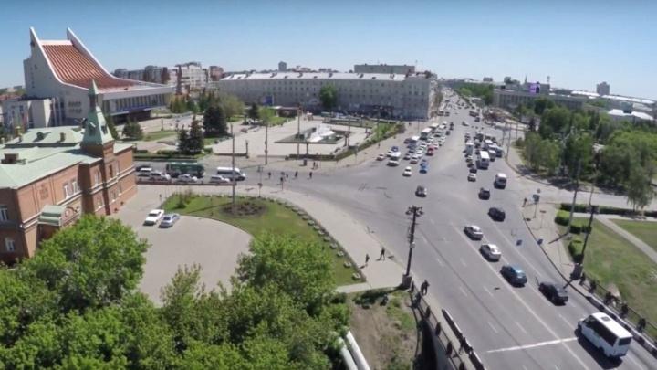 В Омске изменили схему движения на проспекте Карла Маркса