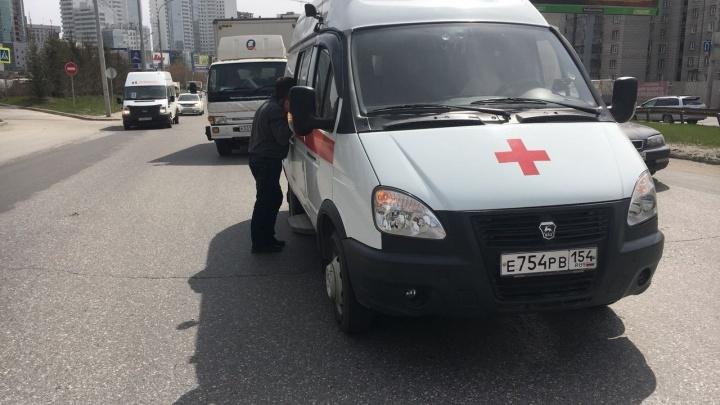 Просто ехали рядом: врачи скорой спасли водителя, которому стало плохо за рулём
